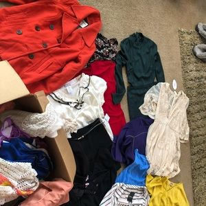 Selling whole box. Women's/juniors clothes